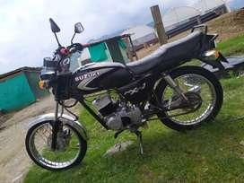 Se vende moto ax115