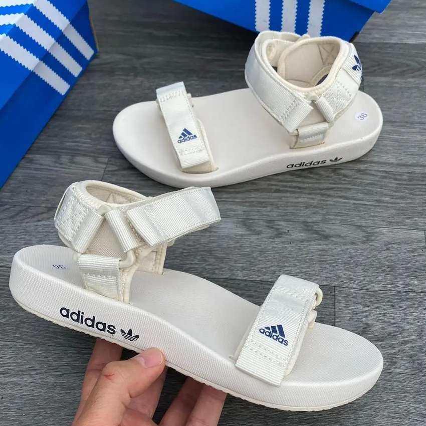 Chanclas Adidas correa para dama a domicilio 0