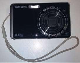 VENDO O PERMUTO CÁMARA SAMSUNG ST500, TACTIL, 12 MP, 8 GB, FUNCIONA MUY BIEN