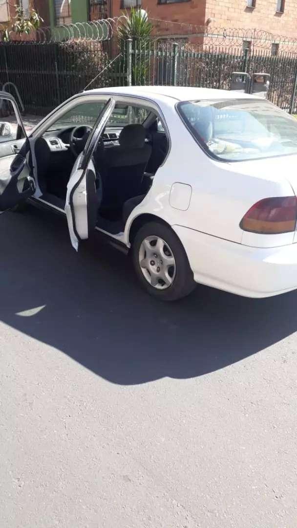 Honda Civic con aire/mecanico 0