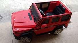 Mercedes V12.   Montable rojo
