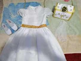 Se vendo vestido de primera comunión