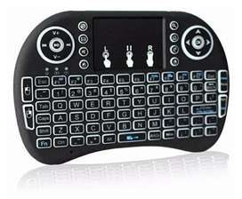 MINI TECLADO MULTIMEDIA INALAMBRICO RECARGABLE CON MOUSE INTEGRADO