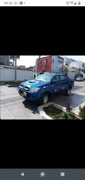 Vendo toyota hilux 4x4 turbo intercooler del año2011 segunda mano  Perú