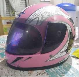 Vendo casco de nena y hombre