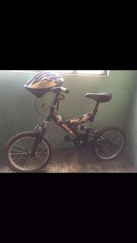 Se vende bicicletas en buen estado, a cualquier prueba, incluye casco