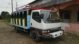 Vendo camión Mitsubishi año 1998 3 año caído precios 5.500