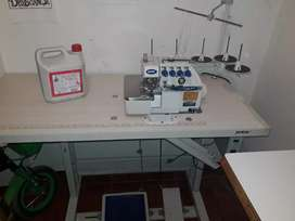 Se vende exelente máquina de coser