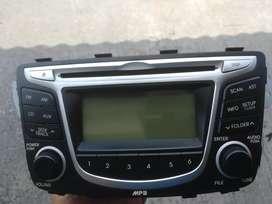 Vendo Radio original para vehículo hyundai i25