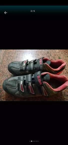 Vendo o permuto zapatillas de ciclismo