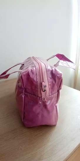 Cometiera rosada forro impermeable