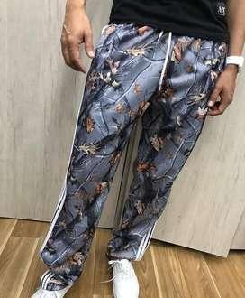 Pantalon sudadera adidas camuflada clasica bota ancha
