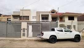 Venta casa amplia moderna prolongación 1ro. de mayo con espacio verde