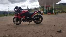 Vendo mi moto lineal pulsar RS200  freno abs