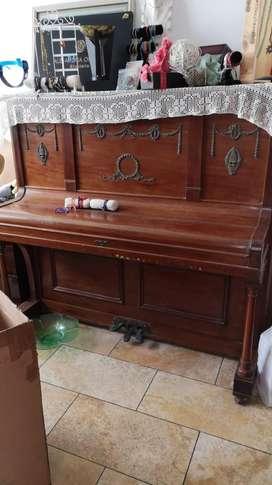 Piano rachals 1900