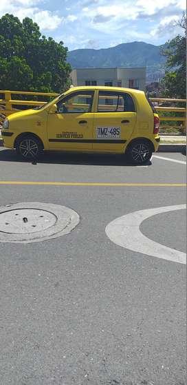 vendo taxi hyundai exelente estado con papaeles al dia