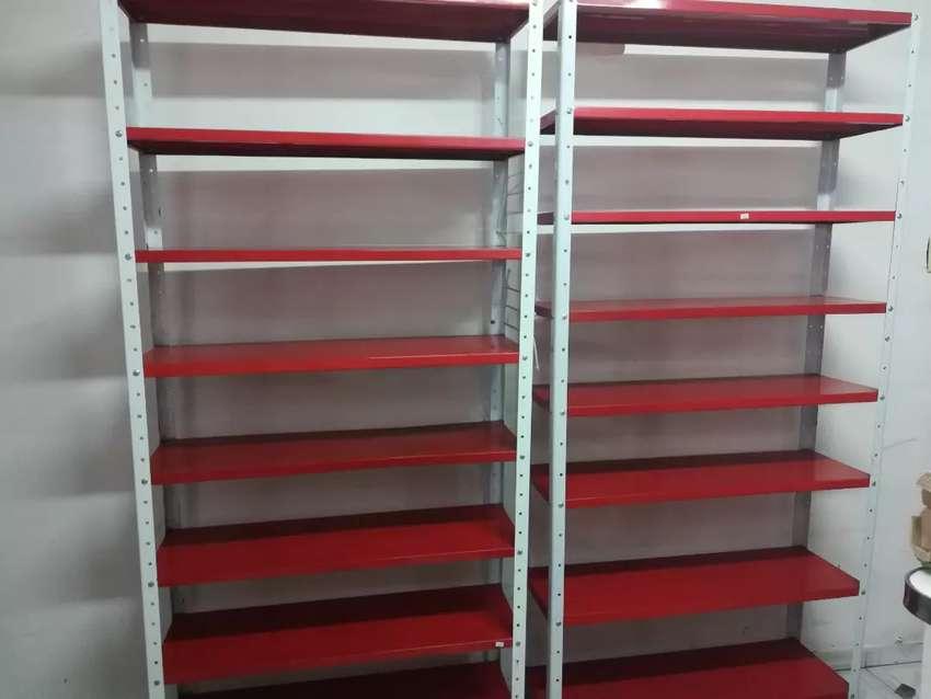 Vendo 6 estantes de 8 bandejas tipo pesado y semi pesado 0