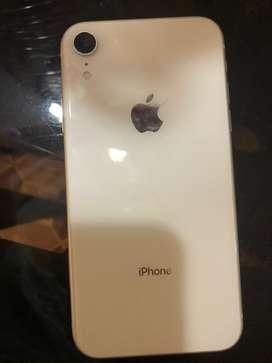 Iphone XR    64 gigas  blanco