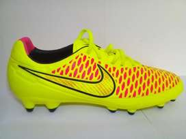 ORIGINALES Zapatillas Chimpunes Nike modelo Magista NUEVAS