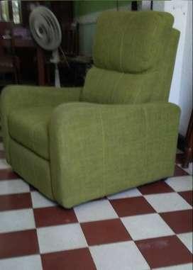 Vendo silla RECLINABLE con descansa pies