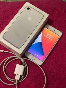Iphone 7 excelente estado,liberado,libre de icloud,32gb!! Se entrega con caja cargador y estuche