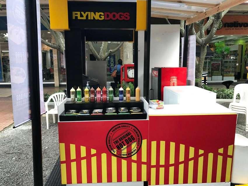 Flyingdogs C.C Llanogrande Plaza perros calientes 0