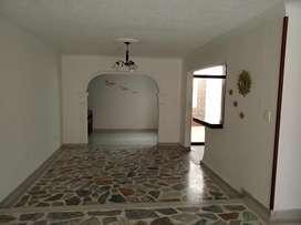 Casa en Ceiba II doble garaje