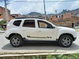 Renault DUSTER se vende o se permuta por camioneta Nissan Frontier de estacas a gasolina
