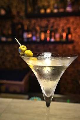 Busco bartender hombre o mujer