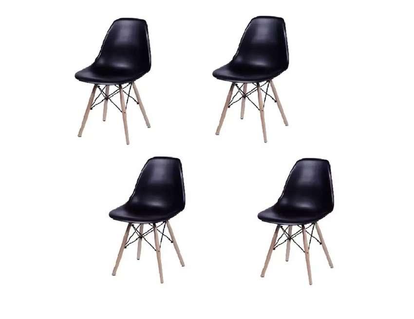 Hermoso Kit De 4 Sillas Eames