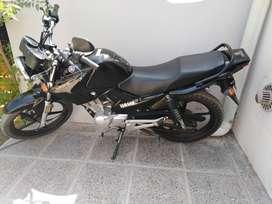 Vendo permuto Yamaha ybr