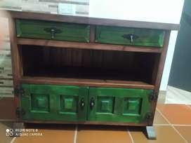 Hermosa mesa vintage en madera pura antigua