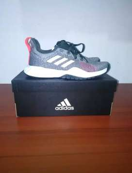 Remato zapatillas adidas solar lt trainer