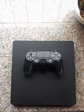 Vendo Consola PS4 a 250$ Negociable