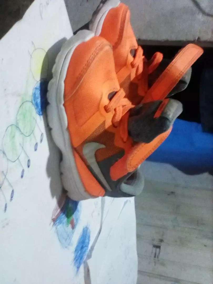 Vendo zapatillas Nike para niño o niña 0