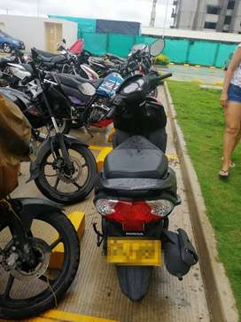 Se vende moto honda modelo 2021 DIO DLX 10 meses