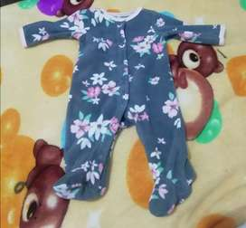 Pijama usada recién nacida carter.