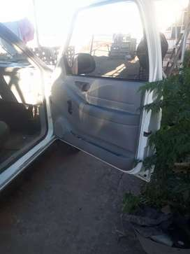 La camioneta s encuentra mui lida pequeños detalle mecánica muibien soi titular aldia a transferir