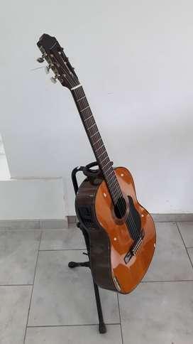 Guitarra Criolla Eléctrica Yamaha