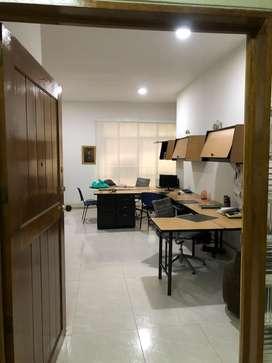 Oficina edificio plaza de caicedo