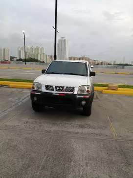 Vendo nissan FRONTIER 2008 negociable 4x4  manual buenas  condiciones
