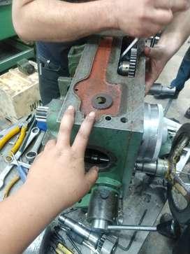 Se solicita tornero fresador para trabajar en torno convencional y realizar mantenimiento industrial de manera urgente