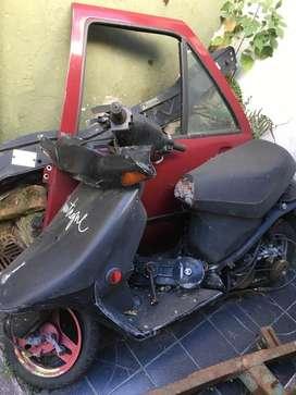 Scooter para arreglarla o para repuestos