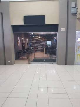 Alquilo local comercial en Mall Plaza Occidente en San Ramón.