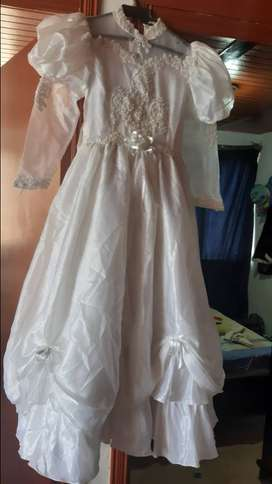 Se vende vestido de primera comunion de segunda