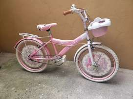 Linda bicicleta en excelente estado,