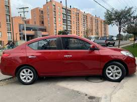 Nissan versa advance modelo 2013
