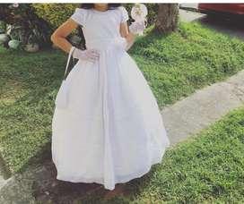 Vendo vestido para comunion, una postura, en buen estado