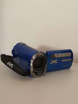 Cámara fotográfica  y de video JVC Prácticamente nueva.