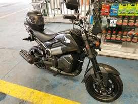 Moto Navi Honda (Negra), en excelente estado.
